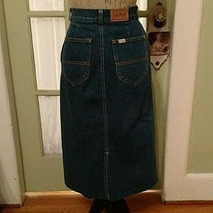 LL BEAN denim straight skirt. Sz 6